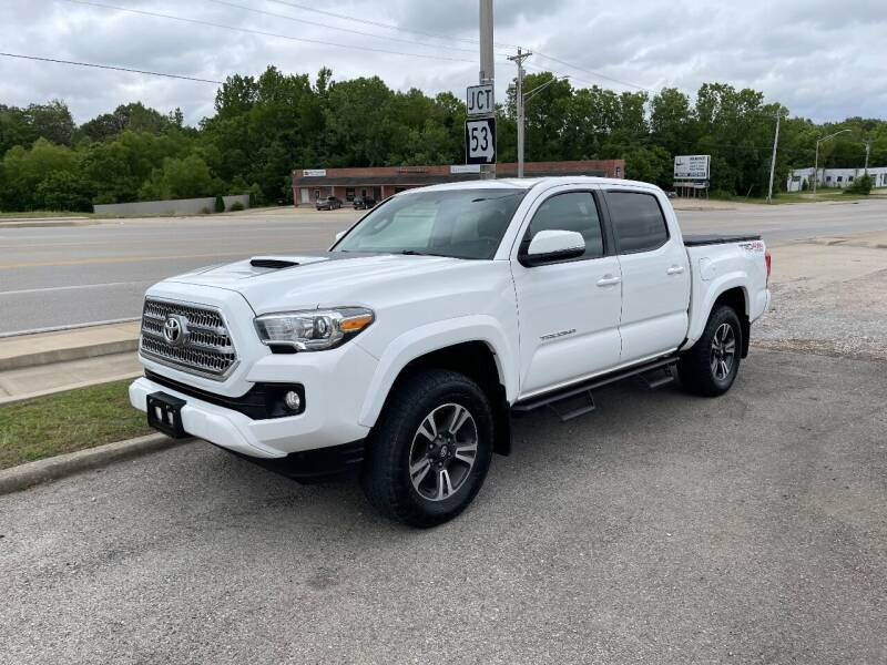 2017 Toyota Tacoma for sale at Greg's Auto Sales in Poplar Bluff MO