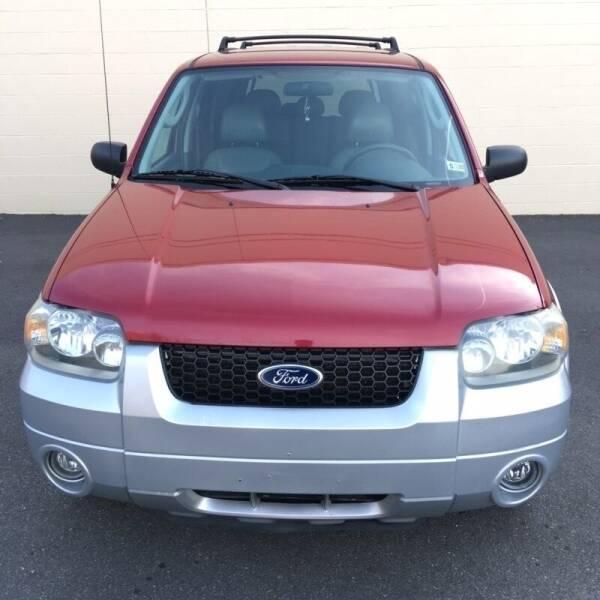 2006 Ford Escape Hybrid for sale at CarzStudio in Fredericksburg VA