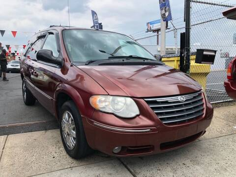 2007 Chrysler Town and Country for sale at GW MOTORS in Newark NJ