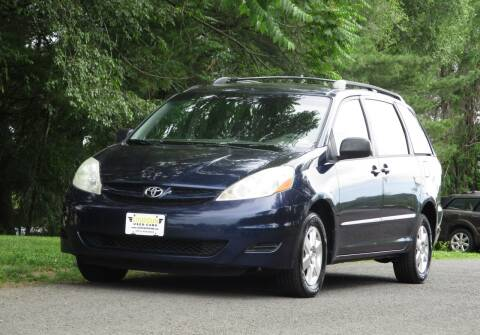 2006 Toyota Sienna for sale at Loudoun Used Cars in Leesburg VA