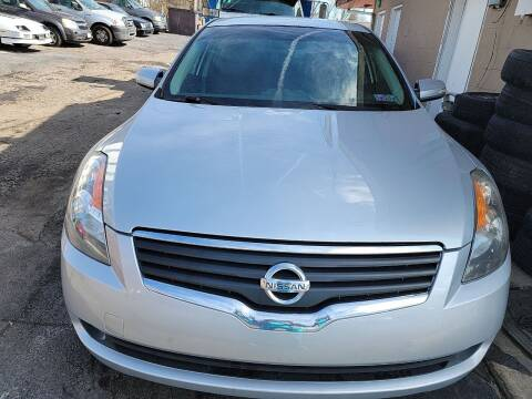 2008 Nissan Altima for sale at JORDAN AUTO SALES in Youngstown OH