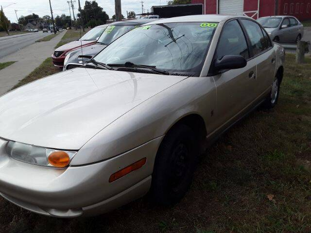 """2000 Saturn S-Series for sale at Midwestern Auto Sales """"The Used Car Center"""" in Middletown OH"""