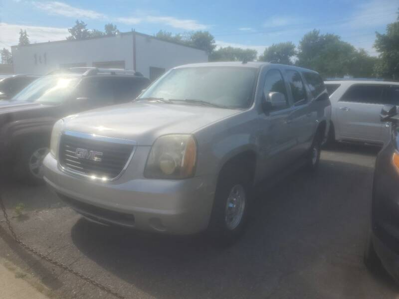 2008 GMC Yukon XL for sale at J & J Used Cars inc in Wayne MI