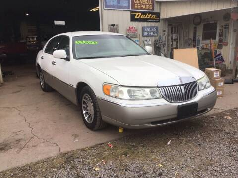 2000 Lincoln Town Car for sale at Troys Auto Sales in Dornsife PA