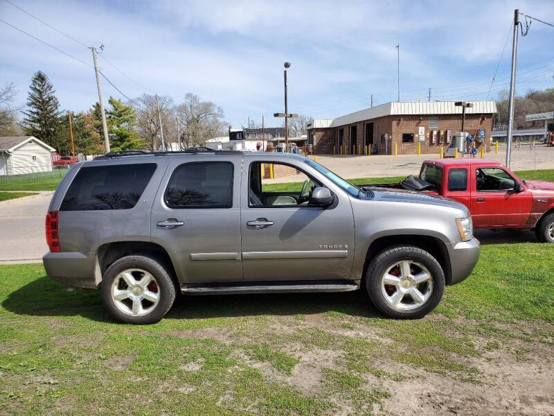 2007 Chevrolet Tahoe for sale at RIVERSIDE AUTO SALES in Sioux City IA