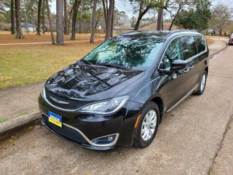 2017 Chrysler Pacifica for sale at Amazon Autos in Houston TX