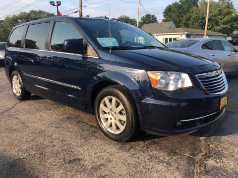 2014 Chrysler Town and Country for sale at COMPTON MOTORS LLC in Sturtevant WI