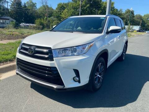 2018 Toyota Highlander for sale at ONG Auto in Farmington MN