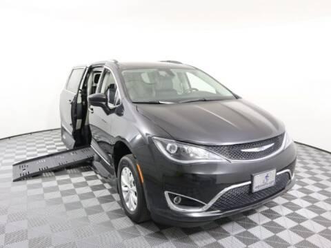 2018 Chrysler Pacifica for sale at AMS Vans in Tucker GA