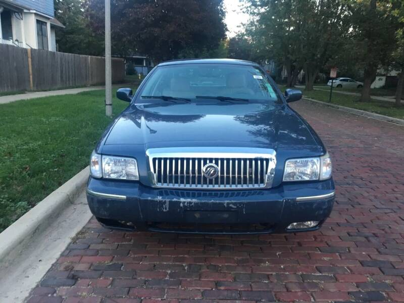 2007 Mercury Grand Marquis for sale at RIVER AUTO SALES CORP in Maywood IL