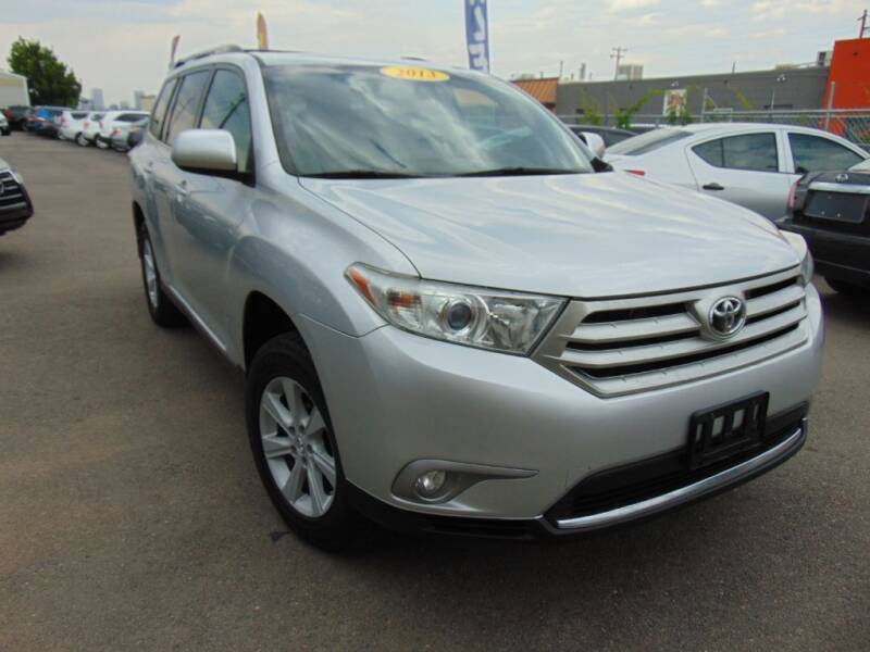 2013 Toyota Highlander for sale at Avalanche Auto Sales in Denver CO