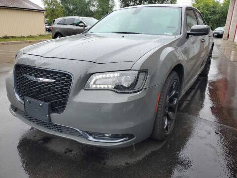 2019 Chrysler 300 for sale at MIDWEST CAR SEARCH in Fridley MN
