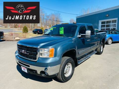 2010 GMC Sierra 2500HD for sale at J & J MOTORS in New Milford CT