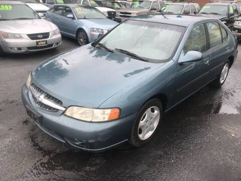 2001 Nissan Altima for sale at American Dream Motors in Everett WA
