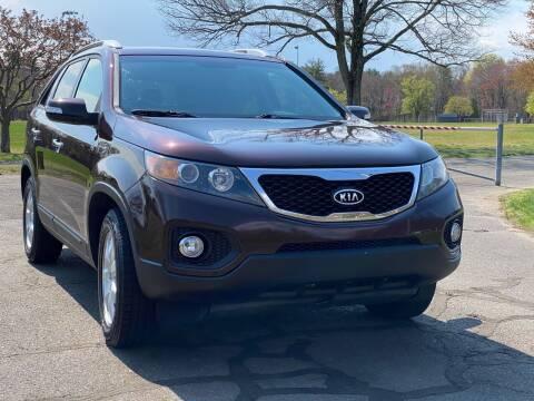 2013 Kia Sorento for sale at Choice Motor Car in Plainville CT
