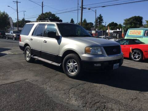 2005 Ford Expedition for sale at Longoria Motors in Portland OR