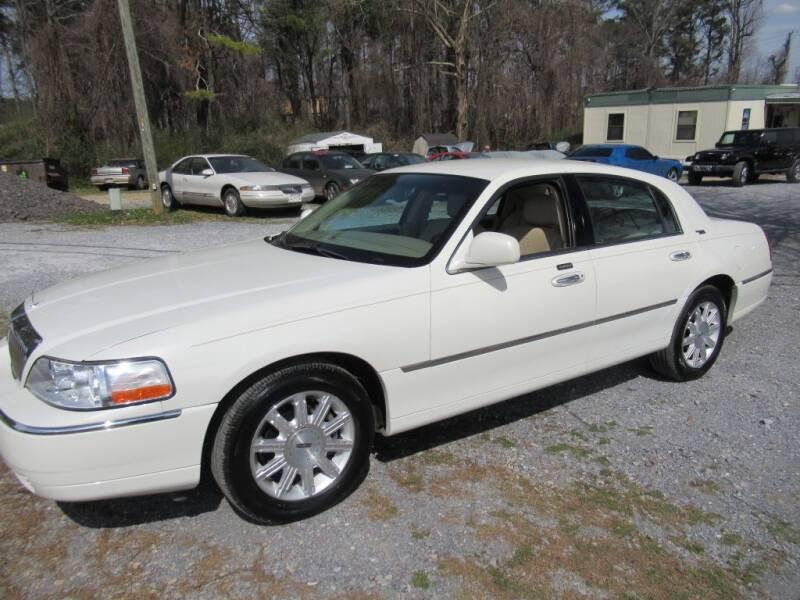 2006 Lincoln Town Car for sale at Dallas Auto Mart in Dallas GA