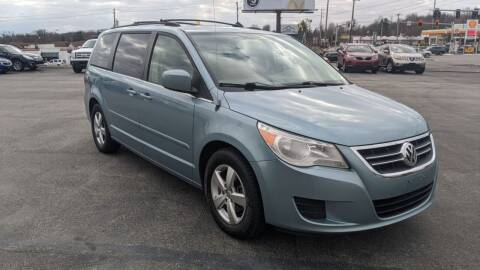 2009 Volkswagen Routan for sale at Newport Auto Group in Austintown OH