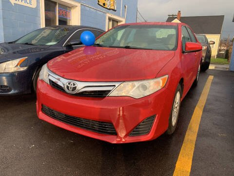 2012 Toyota Camry for sale at Ideal Cars in Hamilton OH