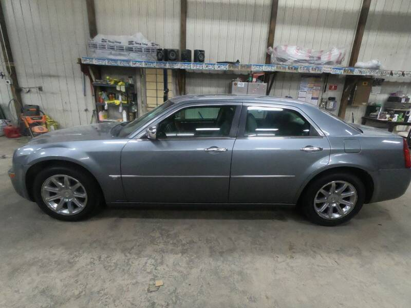2006 Chrysler 300 for sale at Alpha Auto - Mitchell in Mitchel SD