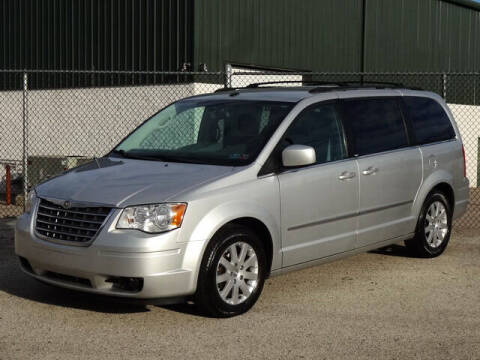 2009 Chrysler Town and Country for sale at Kaners Motor Sales in Huntingdon Valley PA