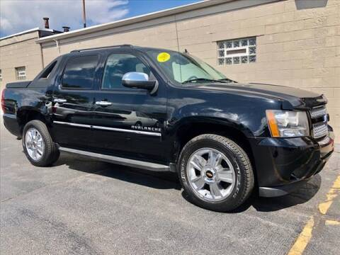 2009 Chevrolet Avalanche for sale at Richardson Sales & Service in Highland IN