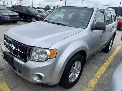 2011 Ford Escape for sale at The Kar Store in Arlington TX