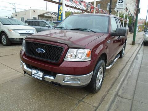 2004 Ford F-150 for sale at CAR CENTER INC in Chicago IL