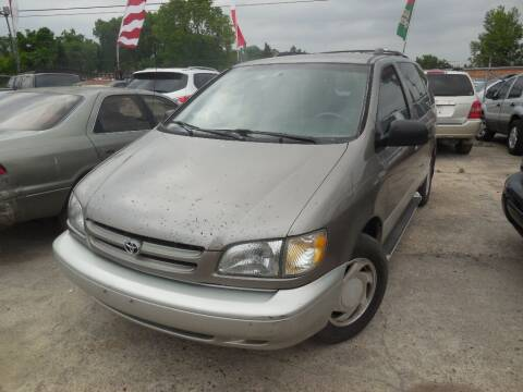 1999 Toyota Sienna for sale at SCOTT HARRISON MOTOR CO in Houston TX