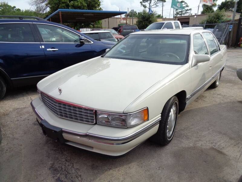 1996 Cadillac DeVille for sale at SCOTT HARRISON MOTOR CO in Houston TX