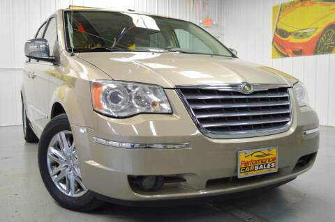 2009 Chrysler Town and Country for sale at Performance car sales in Joliet IL
