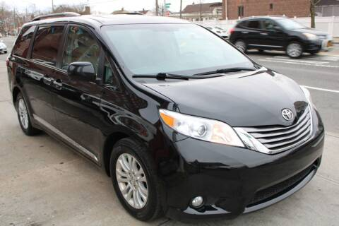 2017 Toyota Sienna for sale at LIBERTY AUTOLAND INC in Jamaica NY