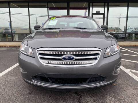 2011 Ford Taurus for sale at Greenville Motor Company in Greenville NC