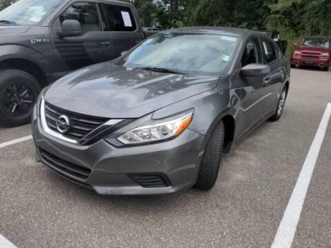 2017 Nissan Altima for sale at Strosnider Chevrolet in Hopewell VA