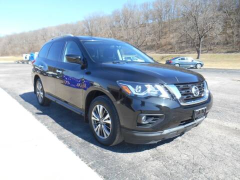 2018 Nissan Pathfinder for sale at Maczuk Automotive Group in Hermann MO
