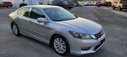2013 Honda Accord for sale at WEELZ in New Castle DE