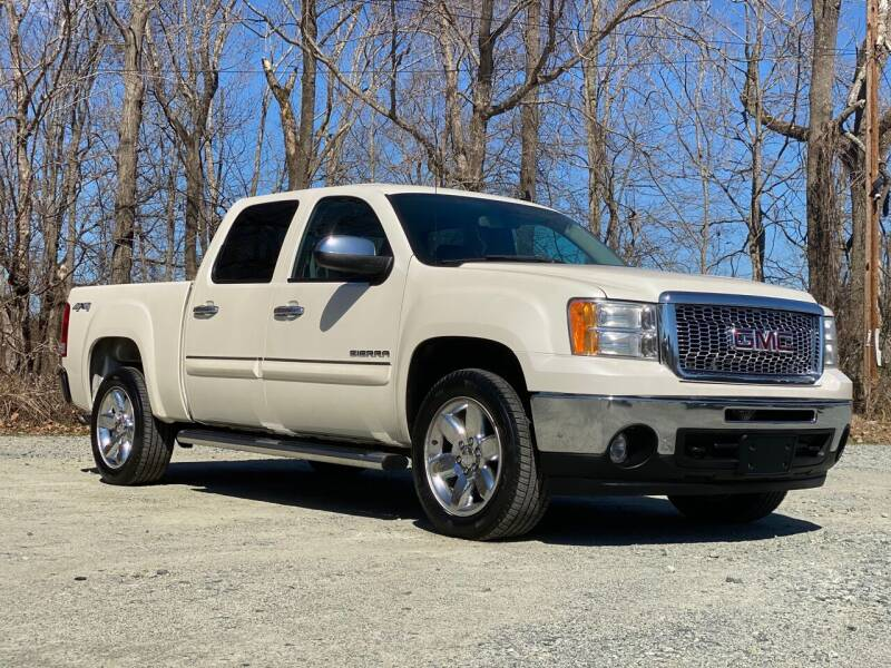 2013 GMC Sierra 1500 for sale at Charlie's Used Cars in Thomasville NC