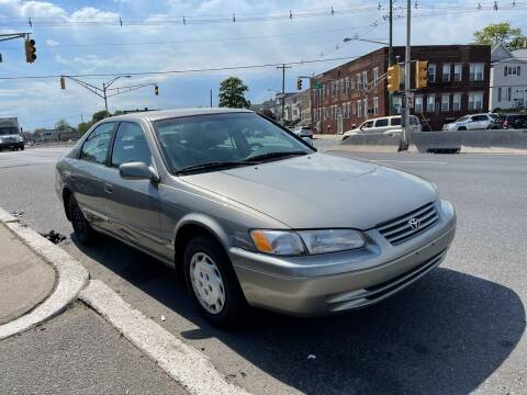 1998 Toyota Camry for sale at G1 AUTO SALES II in Elizabeth NJ