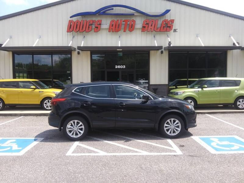 2018 Nissan Rogue Sport for sale at DOUG'S AUTO SALES INC in Pleasant View TN