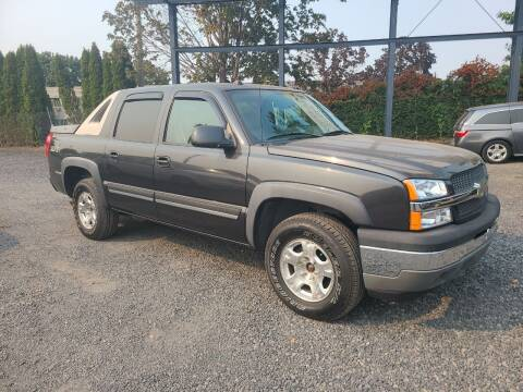 2005 Chevrolet Avalanche for sale at Universal Auto Sales in Salem OR