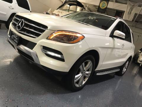 2013 Mercedes-Benz M-Class for sale at Luxury Auto Finder in Batavia IL