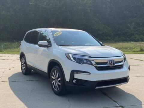 2019 Honda Pilot for sale at Betten Baker Preowned Center in Twin Lake MI