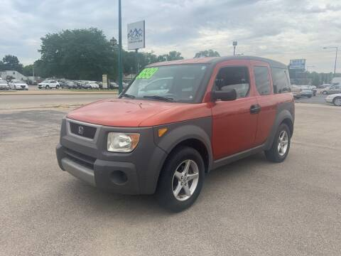 2004 Honda Element for sale at Peak Motors in Loves Park IL