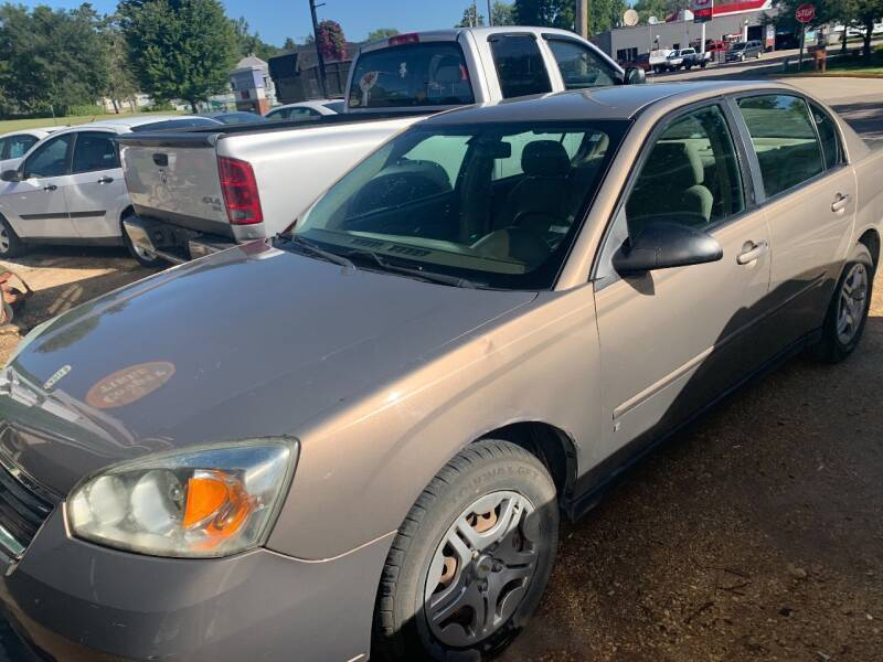 2007 Chevrolet Malibu for sale at Nelson's Straightline Auto - 23923 Burrows Rd in Independence WI