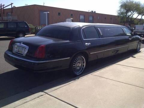 2000 Lincoln Town Car for sale at Classic Car Deals in Cadillac MI