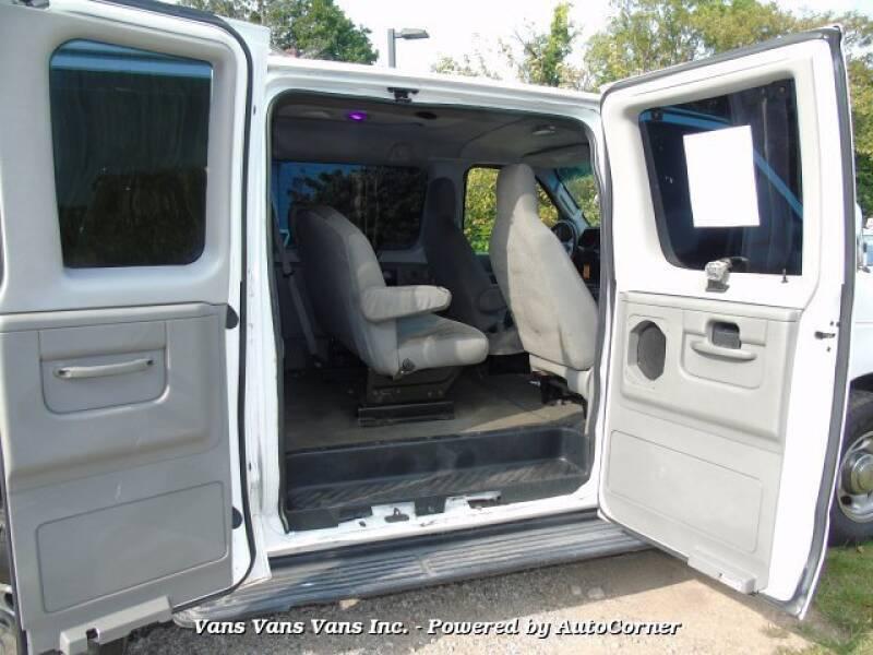 2011 Ford E-Series Wagon SD XLT 2011 Ford Econoline E350 15 Passenger Super - Blauvelt NY