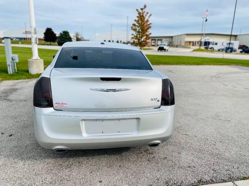2012 Chrysler 300 S V6 4dr Sedan - Saint Francis WI