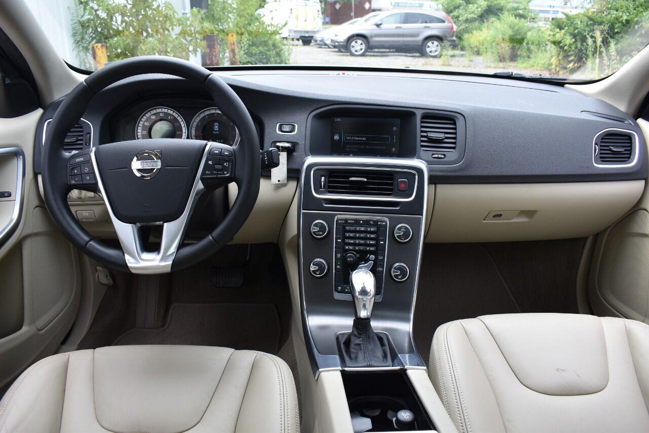 2013 Volvo S60 T6 AWD 4dr Sedan full