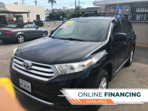 2011 Toyota Highlander for sale at ZOOM CARS LLC in Sylmar CA