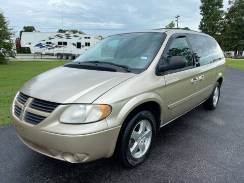 2005 Dodge Grand Caravan for sale at Champion Motorcars in Springdale AR